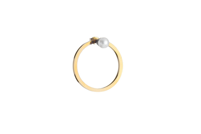 Jasmien Witvrouwen - Single earring 'Protect me' – Pearl – SOLD OUT