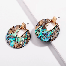 Load image into Gallery viewer, Vintage Round Resin Acrylic Earrings