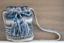 Load image into Gallery viewer, Lisa Wool Can Tab Mochila Bag