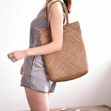 Load image into Gallery viewer, Long Vintage Straw Bag - Hooking Hands