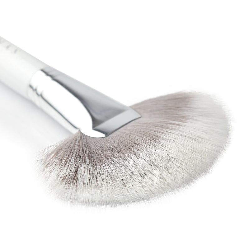 Blanc Fan Brush - 001B