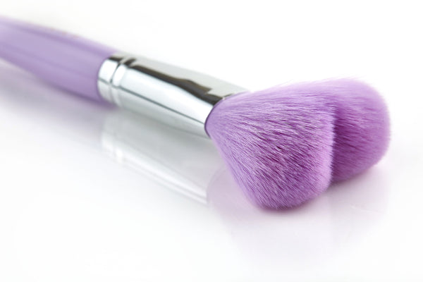 Cuore heart shaped powder brush - 009