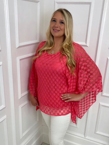 The Julia Spotty Top in Coral
