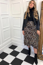Load image into Gallery viewer, The Suki Skirt in Leopard Print