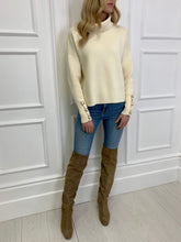 Load image into Gallery viewer, The Louisa Chunky Knit in Cream