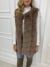 Load image into Gallery viewer, The Moscow Gilet in Mink