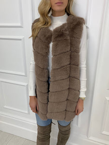 The Moscow Gilet in Mink