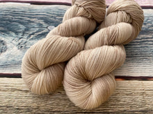 Load image into Gallery viewer, Sustainable Merino fingering- 'Vanilla' colourway