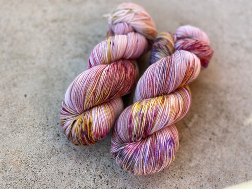Delicious sock 'White Opal' colourway