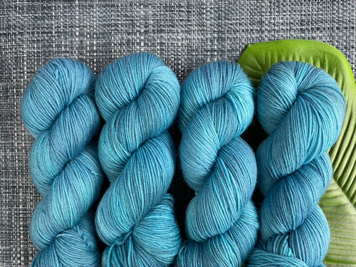 Delicious sock yarn 'Paradise blue' colourway