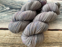 Load image into Gallery viewer, Sustainable Merino fingering- 'Knit Night' colourway