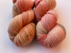 Delicious sock 'Tulip' colourway Spring flower collection
