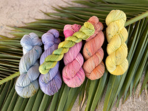 'Spring green' mini skein  - 20g sock yarn Spring flower collection