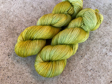 Load image into Gallery viewer, Dreamy merino silk - 'Spring green' colourway Spring flower collection