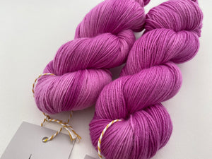 New Merino fingering- 'Pink for days' colourway