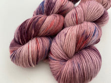 Load image into Gallery viewer, Merino singles - 'Philippa' colourway