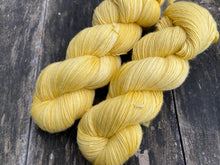 Load image into Gallery viewer, Merino singles - 'Sunny side' colourway
