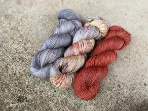 Delicious sock 'Storm and fire' colourway