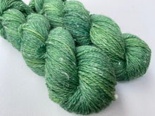 Load image into Gallery viewer, Merino Hemp DK yarn - 'Green grass' colourway