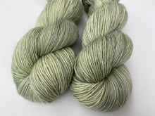 Load image into Gallery viewer, Merino linen singles - 'Succulent' colourway