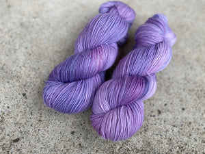 Delicious sock 'Lavender swirl' colourway