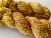 Load image into Gallery viewer, Dandy sock- 'Golden Chai' colourway