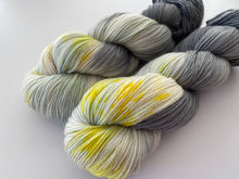 Load image into Gallery viewer, Dandy sock- 'Mountain top' colourway