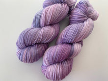 Load image into Gallery viewer, Delicious sock 'Lavender swirl' colourway