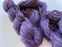 Load image into Gallery viewer, Merino linen singles - 'Aubergine' colourway