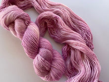 Load image into Gallery viewer, Merino linen singles - 'Peony' colourway