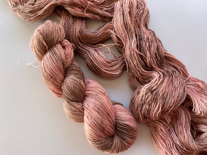 Merino linen singles - 'Faded rose petals' colourway