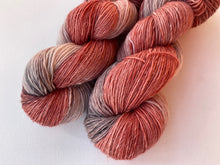 Load image into Gallery viewer, Merino linen singles - 'Forever love' colourway