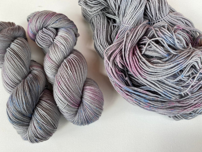 Sustainable Merino fingering- 'Knit Night' colourway