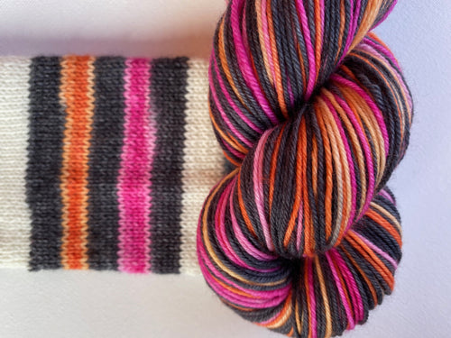 Self-striping sock yarn 'Sunset' colourway
