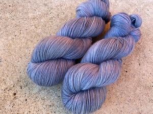 Delicious sock 'Moon shadow' colourway