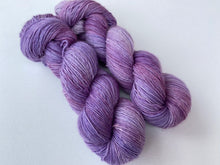 Load image into Gallery viewer, Merino linen singles - 'Crocus' colourway