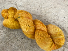 Load image into Gallery viewer, Merino singles - 'Orange' colourway