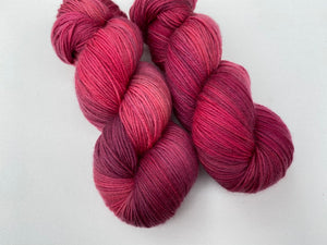 Delicious sock 'Blood red' colourway