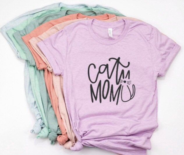 Cat Mom Shirt in Curvy Size