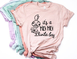 It's a Hei Hei Kinda Day Shirt in Curvy Size
