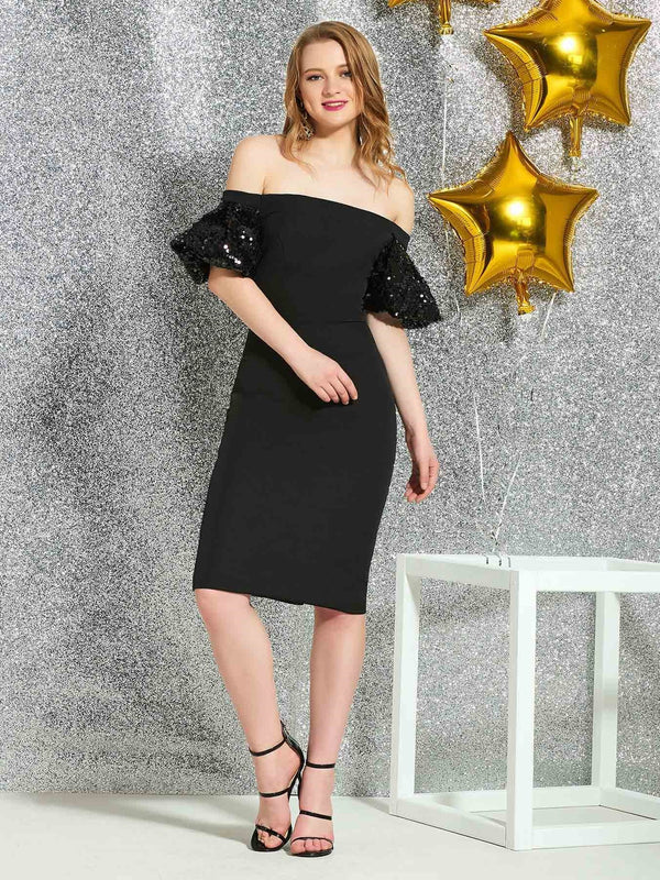 Off-The-Shoulder Sheath/Column Cap Sleeves Knee-Length Cocktail Dress