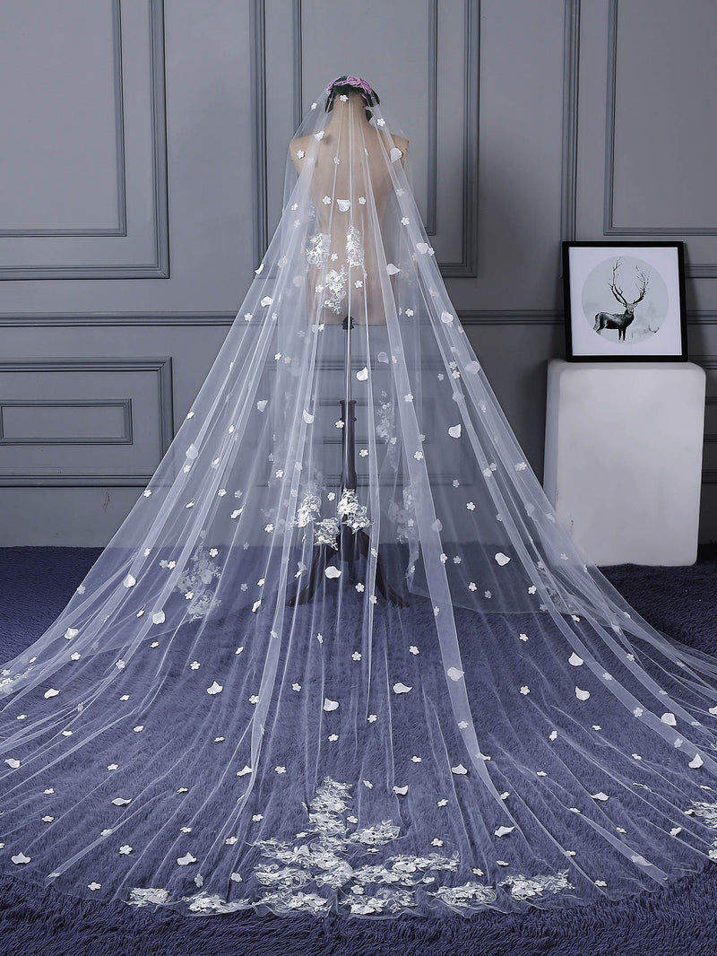 "Appliques Cathedral Train (100""-120"") Applique Edge One-Layer Wedding Veil"