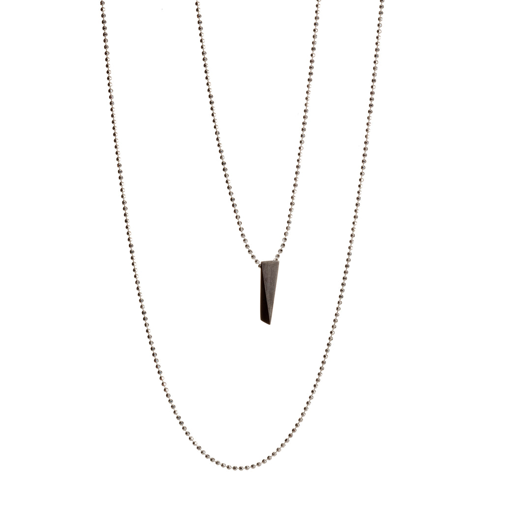 WEDGE necklace - black