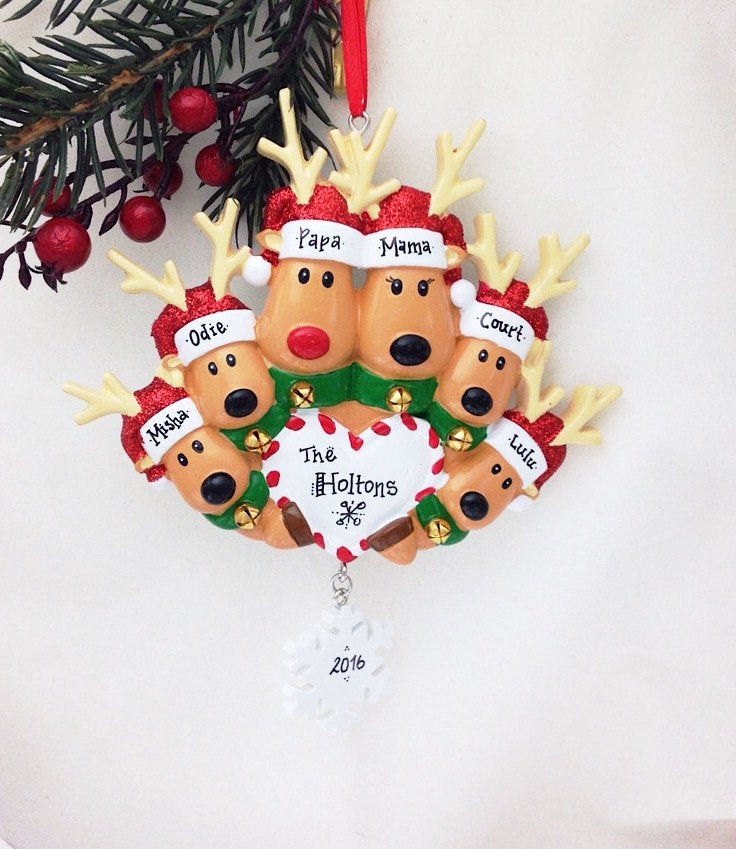 6 Reindeer Family Ornament Heart and Snowflake / Personalized Christmas Ornament / Family Christmas Ornament with Custom Names