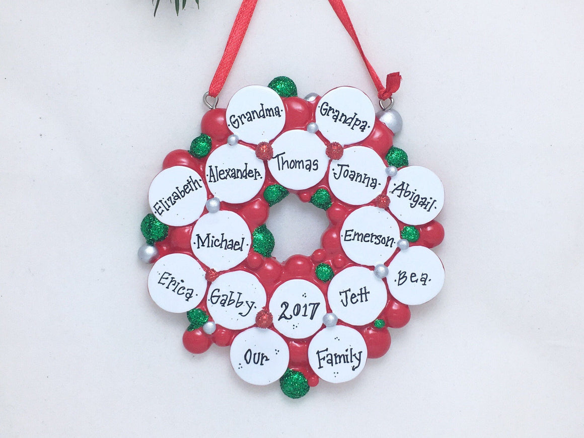 Large Family Wreath Ornament / Wreath with 16 Christmas Baubles / Personalized Christmas Ornament / Large Family / Reunion / Grandchildren