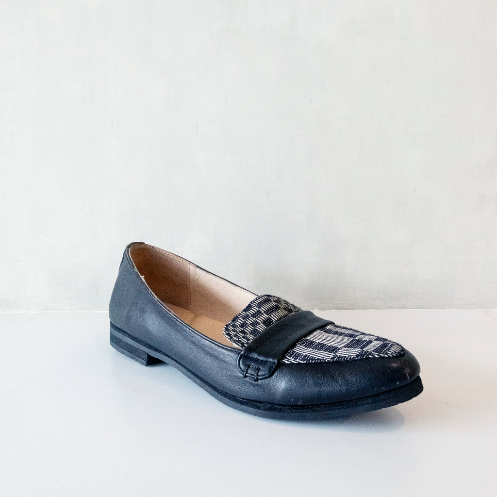 Carol Loafer in Black Binakul
