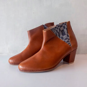 Mirielle Boots in Brown