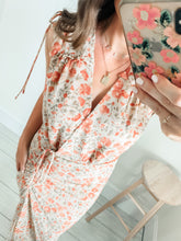 Load image into Gallery viewer, Amber Floral Print Ruched Midi Dress
