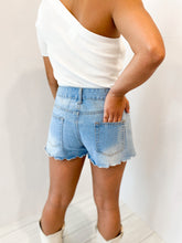 Load image into Gallery viewer, Scallop Denim Shorts