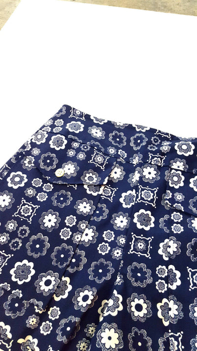 flower power | navy floral shorts